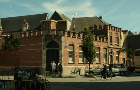 2017年留学比利时选择课程语种