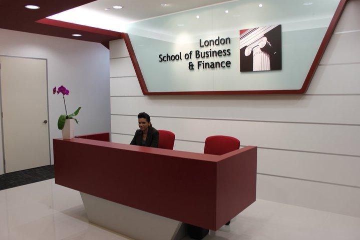 英国伦敦商业金融学院新加坡校区(LSBF)