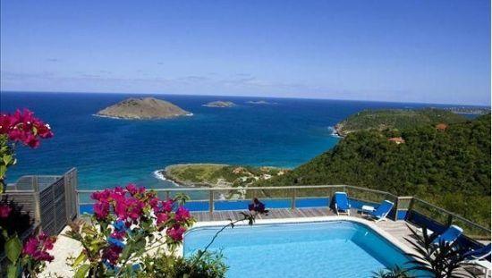其辖区主要包含圣马丁岛的北部和附近的岛屿.