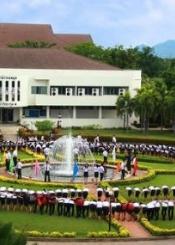 泰国湄南河大学院校风光