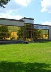 加拿大布鲁克林学院