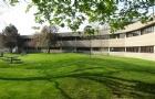 去劳里埃大学读书的要求是什么?