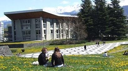 格勒诺布尔第一大学