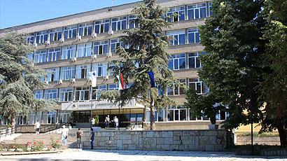 瓦尔纳技术大学