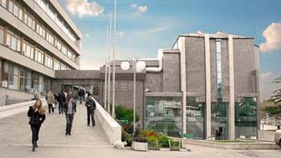 瓦尔纳自由大学