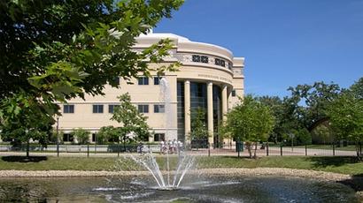 艾格伍学院