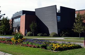 北达科他大学